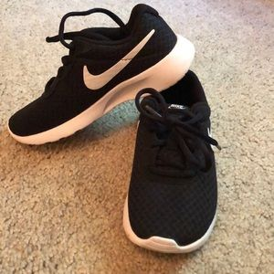 Kids size 12 Nikes worn once